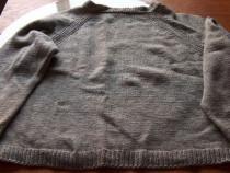 Pullover din lână, pe lângă gât (R2)