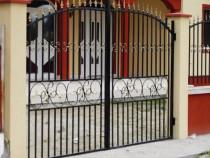 Realizam porti cu elemente ornamentale din fier