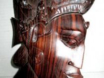 5110-Aplica veche Regina Africa in lemn masiv de mahon.