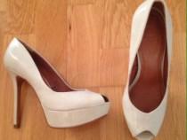 Pantofi cu toc Zara crem piele