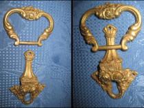 Batator cu shield mic din bronz masiv pentru usi vechi
