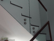 Balustrade cu sticla prindere lateralul scarii