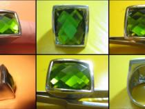 Inel vintage crom cu piatra verde sticla fatete slefuite.