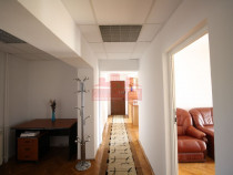 Inchiriez apartament 4 camere Bdul Libertatii (PiataConstiei