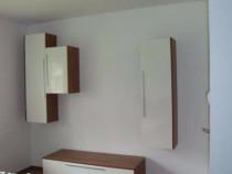 Inchiriez in zona Lunei,apartament la parter cu 2 camere.