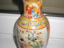 Vaza portelan China personaje design floral.
