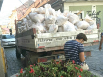 Moloz evacuam din bloc caram transportam la groapa