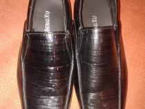 Pantofi copii, baieti marimea 34,noi