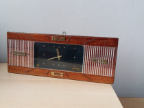 "Ceas de masa / perete Iantar vintage USSR anii ""65-70"