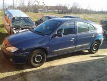 Dezmembrez Renault Megane 1.4 benzina hatchback 2001