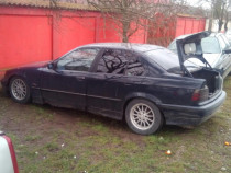 Dezmembrez BMW 318 i caroserie e36