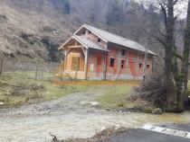 Casa noua, la rosu + teren 1.104 mp – sibiel