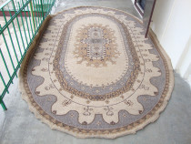 Covor oval 370 cm x 227 cm ( utilizat )