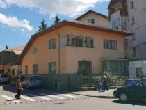 Inchiriez casa ultracentral, parter, 100 mp util, 4 camere !