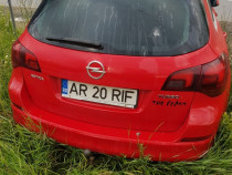 Dezmembrez Opel Astra J 1.6T 180CP 2012 Combi