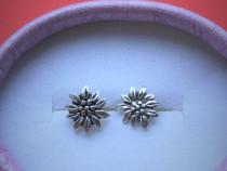 Cercei Argint Floare model pe ureche