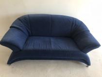 Canapea 2 locuri ,pret negociabil