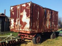 Container pe roti