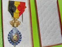 Decoratia Muncii Belgia bronz aurit si emailat in cutie.