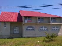 Vila/pensiune 14 camere si teren 1.645 mp, Miroslovesti,Iasi