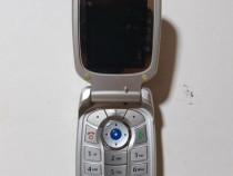 Motorola pe clapeta cu antena