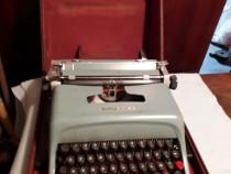 Mașină de scris Olivetti portabilă
