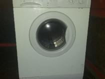 Masina automată de spălat INDESIT