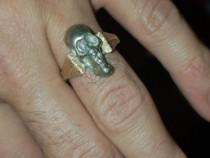 Inel din argint si epoletii aur cap schelet