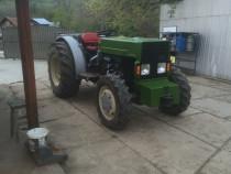 Tractor viticol