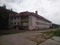 Cladire 2630 mp - fost internat scolar - in Maracineni