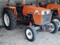Tractor universal 453