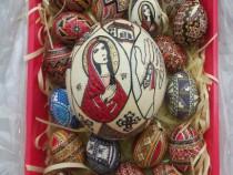 Set 1 ou de struț si 18 oua de gasca, încondeiate manual