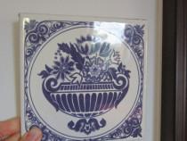 Placa ceramica -vintage -pictata alb si albastru-cadou inedi