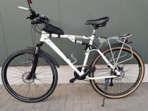 Bicicleta dorita pt oras cat si teren foarte putin rulata