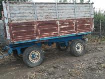 Remorca basculabila 3 parti la tractor, 4 x 2 metri