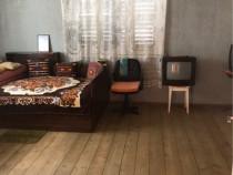 Apartament la casă 3 camere, Lazaret zona Garii