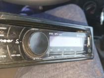 Radio cd Pionner cu aux usb
