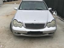 Dezmembrez Mercedes C 220 CDI W203