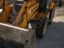 Buldoexcavator Komatsu W93R posibilitate rate