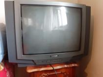 Televizor Platinium 63 cm diagonală