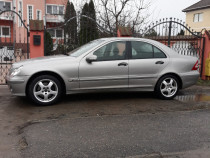 Mercedes c200cdi euro 4 model 2005 stare foarte buna!!!