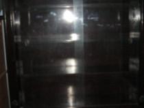 Mobilă vitrină