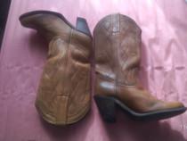 2 perechi de cizme din piele pentru femei, mas. 35-36