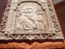 Icoane sculptate din lemn masiv