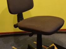 Scaun de birou in stare foarte buna ca nou