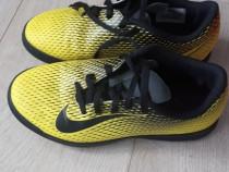 Adidasi de fotbal Nike