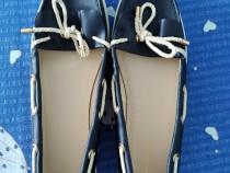 Pantofi din piele ecologică (pentru dame)