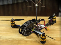 Construiesc drone profesionale