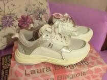 Adidas fetite Laura Biagiotti