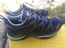 Adidasi, Lowa Gore Tex, mar 39 (24 cm) made in Slovakia.